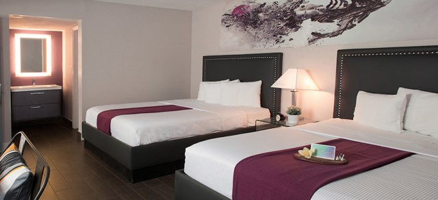 San diego ca hotel photo gallery hotel iris Hotels in san diego with 2 bedroom suites